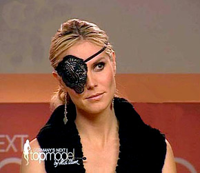 Heidi Klum in black lace eye patch